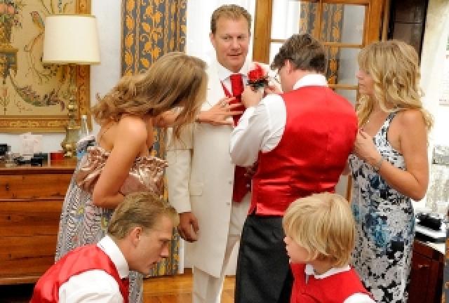 La vestizione dello sposo
